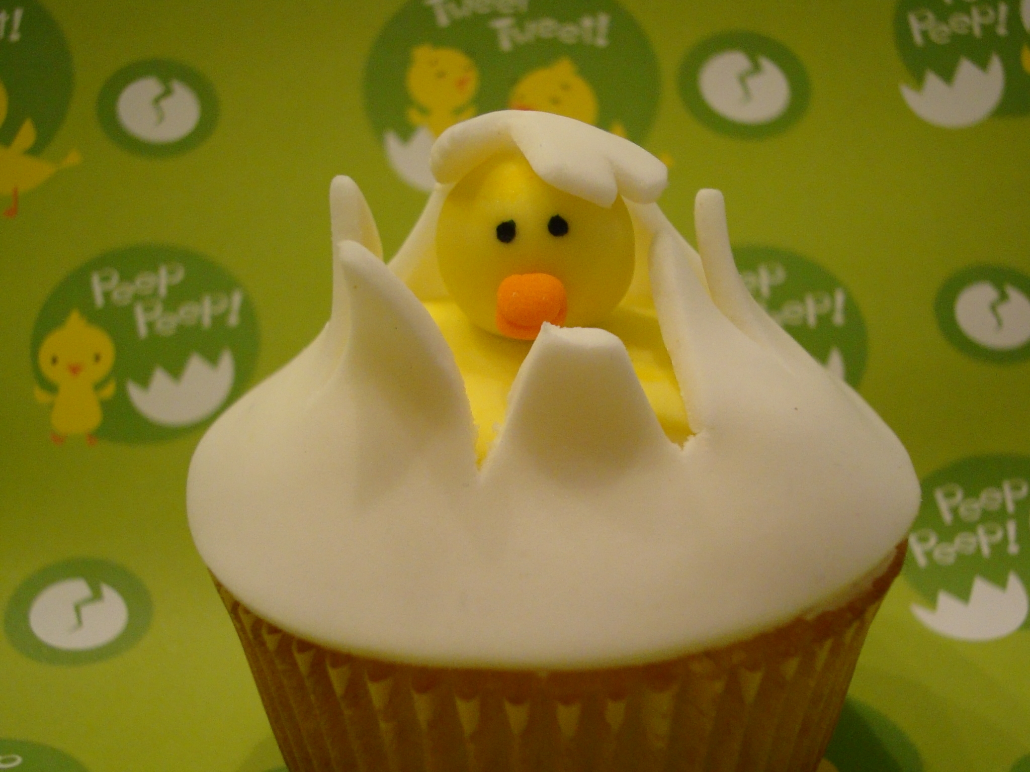 Hatching Chick Easter Egg Cupcake
