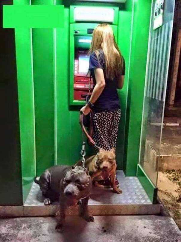 using the cash machine safely